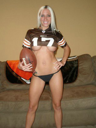 Hot Girlfriend Shows Off Her Tits In A Football Jerzey