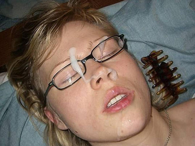 Girlfriend Gets A Sleeping Facial